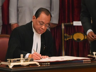CJI sexual harassment charge: Bar bodies backs Gogoi, calls it 'attempt to malign the institution'
