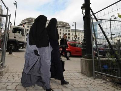 سلسلہ وار بم دھماکوں کے بعد سری لنکا میں بھی لگ سکتی ہے برقع پر پابندی!