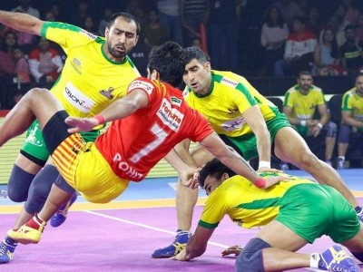 Tamil Thalaivas beat Gujarat Fortunegiants 34-28 in PKL