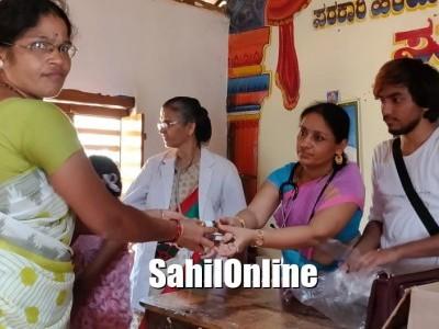 ಆಯುಷ್ ಇಲಾಖೆಯಿಂದ ನೆರೆ ಸಂತೃಸ್ತರಿಗೆ ಔಷಧಿ ವಿತರಣೆ