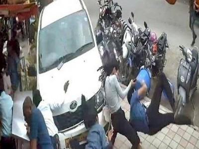 بنگلورو: نشے میں دھت شخص نے فٹ پاتھ پر 7 لوگوں کو کچل دیا