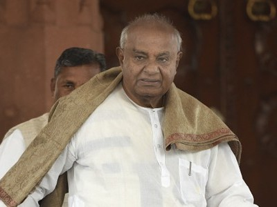 Deve Gowda targets Siddaramaiah again over collapse of coalition govt