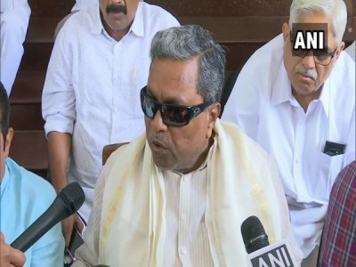 Siddaramaiah denies Deve Gowda's charges of him being responsible for poll debacle