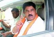 کرناٹک میں وزیر داخلہ کے قلمدان کو لے کر بی جے پی کے دولیڈران میں رسہ کشی جاری