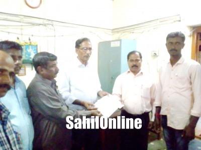 بھٹکل تعلقہ گونڈ سماج ملازمین سنگھ کی طرف سے سیلاب متاثرین کے لئے 50500 روپئے کی امداد