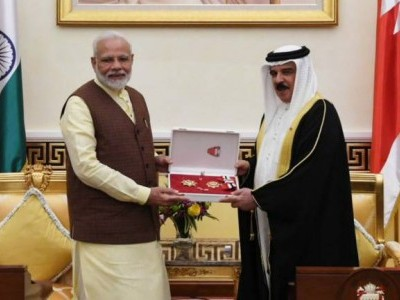 PM Modi meets King of Bahrain, conferred 'The King Hamad Order of the Renaissance'