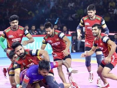 Dabang Delhi beat Bengaluru Bulls 33-31 in PKL