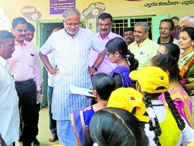 Minister Sureshkumar visits rural school; He appreciates students of Uttara Kannada