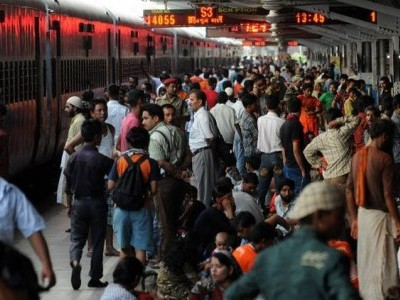 آسام میں پھنسے مسافروں کی مددکے لیے گوہاٹی سے خصوصی ٹرینیں چلا رہا ہے ریلوے
