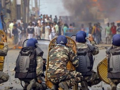 شہریت قانون کے خلاف احتجاجی مظاہرہ کے درمیان بنگال کے کچھ حصوں میں انٹرنیٹ سروس بند