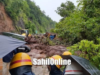 Landslide near Ankola; traffic affected