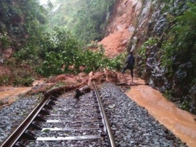 M'luru-Bengaluru train cancelled following landslides