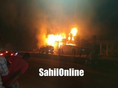 اڈپی کے موٹر بائک شوروم میں بھیانک آتشزدگی۔ فائربریگیڈ کی بروقت کارروائی سے ٹل گیا سنگین حادثہ