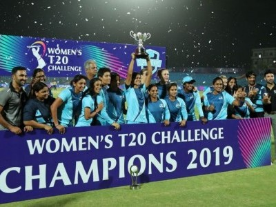 Harmanpreet Kaur leads Supernovas to Women's T20 Challenge title