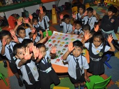 کرناٹک پبلک اسکولوں میں سرکاری اسکولوں کو ضم نہیں کیا جائے گا