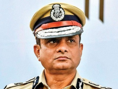 آئی پی ایس افسر راجیو کمار کے خلاف لک آؤٹ سرکولر جاری