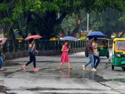 Rain lashes Dakshina Kannada, Udupi