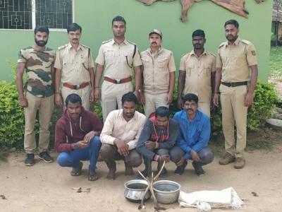 کشال نگر کے دوبارےجنگل میں ہرن کا شکار کرنےو الے چار ملزمین گرفتار