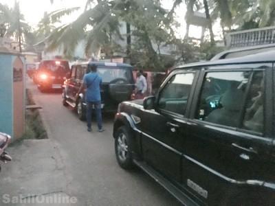 کاروار میں غیر ملکی کرنسی کے ساتھ 2لوگوں کی گرفتاری کا معاملہ: بھٹکل میں دوگھروں پر پولیس کا چھاپہ اور تلاشی