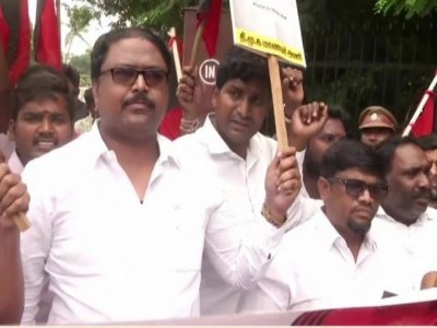 Student suicide: DMK holds protest, father meets TN CM