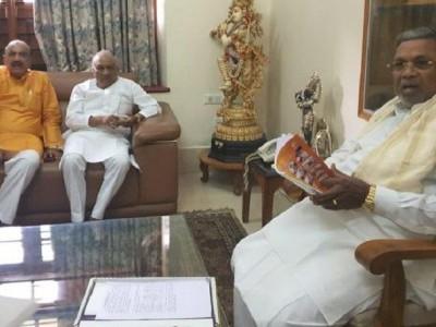 Day after SC verdict on disqualified Karnataka MLAs, ex-BJP legislator Raju Kage joins Congress