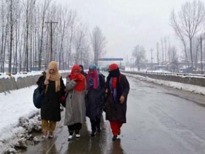 کشمیر: خراب موسمی حالات، جوتوں کی قیمتیں آسمان پر