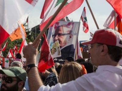 امریکی سفارت خا نہ نے لبنان میں پرامن مظاہرین کی حمایت کی