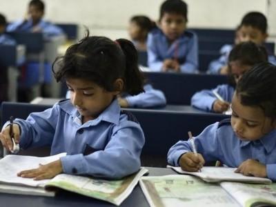 سرکاری اسکولوں میں داخلوں میں اضافہ کیلئے تعلیمی معیار کو بہتر بنانا ضروری