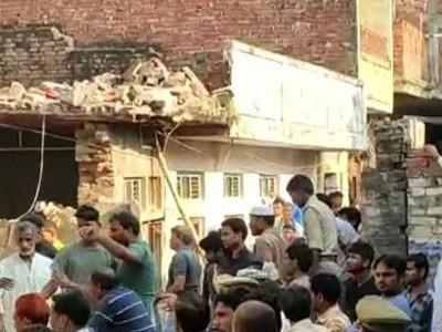 یوپی کے مئو میں رسوئی گیس سلینڈر پھٹ جانے کے بعد عمارت منہدم، 10 افراد ہلاک، متعدد زخمی