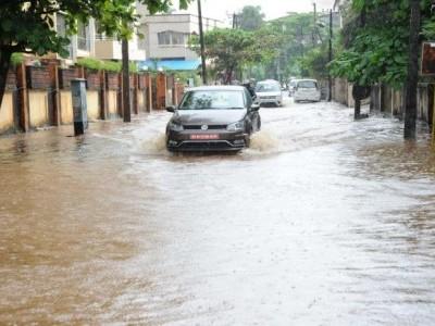 Rain causes artificial flooding in Mangaluru