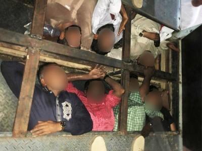 دبئی : متحدہ عرب امارات میں انسانوں کواسمگل کرنے کی کوشش ناکام۔ ٹرک کے خفیہ خانے سے برآمد ہوئے 18افراد