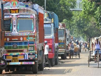 دہلی: ٹریفک کے مختلف قوانین کی خلاف ورزی کرنے پر لاری کے مالک کو 2,00,500روپے جرمانہ