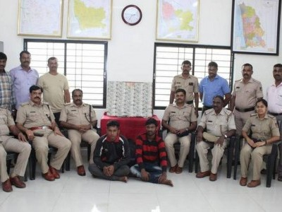 Men fleeing with stolen Rs 22 lakh arrested