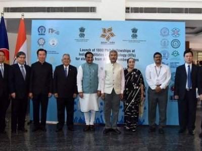 وزیر خارجہ ایس جے شنکر نے آسیان ممالک کے ایک ہزار طالب علموں کے لئے آئی آئی ٹی میں پی ایچ ڈی فیلوشپ شروع کی