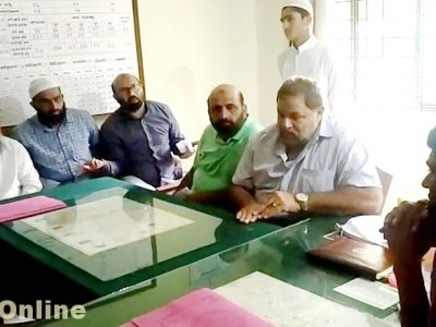 Bhatkal Nawayath Colony folks complains of Hescom irregularities in providing monthly electricity bill