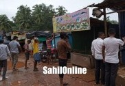ضلع پنچایت سی ای او کے حکم پر بھٹکل تحصیلدار نے ہٹائیں مرڈیشور میں غیرقانونی دکانیں
