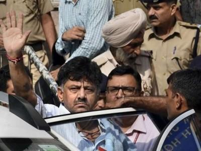 بالآخر ڈی کے شیو کمار کو تہاڑ جیل بھیج دیا گیا ضمانت حاصل کرنے کی کوششوں کو جھٹکا، عرضی پر ہفتہ کو سماعت