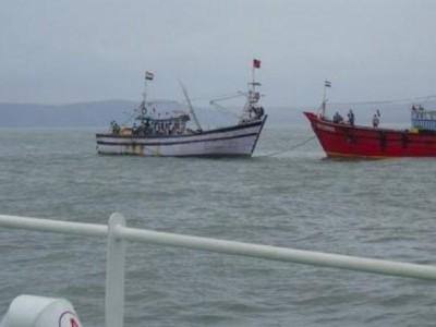 Fishing boat rescued in Karwar