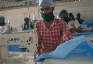 کوروناوائرس وباء:بھٹکل میں تیا ر ہورہے ہیں طبی عملے کے لئے 'حفاظتی کٹس؛ لاک ڈاون کے دوران بھی جاری ہے کام