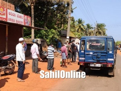 People throng grocery shops as lockdown relaxed for a while in Heble panchayat limits in Bhatkal