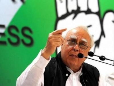 راہل گاندھی نے امیٹھی کے لئے بھیجی امداد، مزدور بحران پر کپل سبل کا حکومت پر حملہ