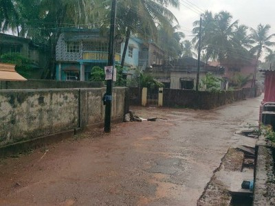 بھٹکل میں شدت کی گرمی کے بعدوقت سے پہلے ہی برسی بارش؛ساحلی علاقوں میں بجلیوں اور بادلوں کی گڑگڑاہٹ کے ساتھ لوگوں کی ہوئی صبح