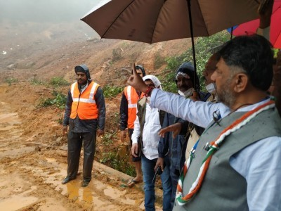 KPCC chief DK Shivakumar seeks Rs 10,000 crore package for Kodagu