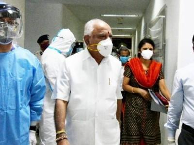 کرناٹک کے وزیراعلیٰ بی ایس ایڈی یورپا نے کورونا کو شکست دی، اسپتال سے چھٹی