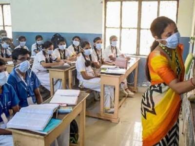 یکم ستمبر سے اسکول کھولنے کے خلاف دہلی-این سی آر کے 61 فیصد والدین: سروے