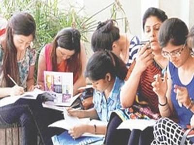 ڈی یو آن لائن امتحانات: طلباء کو غلط پیپرملنے پر امتحان کے دوران افراتفری