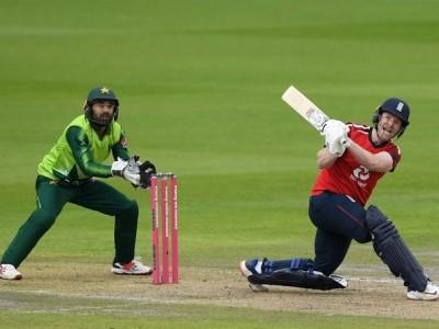 دوسرے ٹی 20 میں انگلینڈ نے پاکستان کو 5 وکٹوں سے شکست دے دی