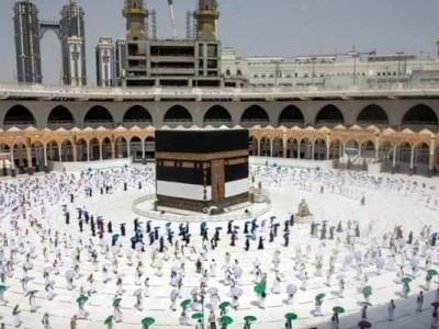 کرونا وائرس :سعودی عرب کا کامیاب حج کے بعد عمرہ کی اجازت دینے پر غور