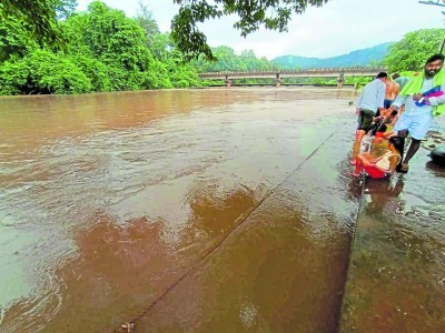 Intermittent rain continues to lash Dakshina Kannada