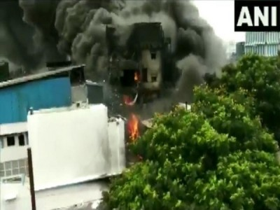 Massive fire at chemical factory in Gujarat's Valsad